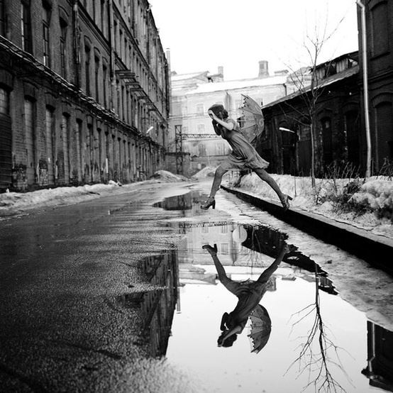 henri-cartier-bresson-puddle