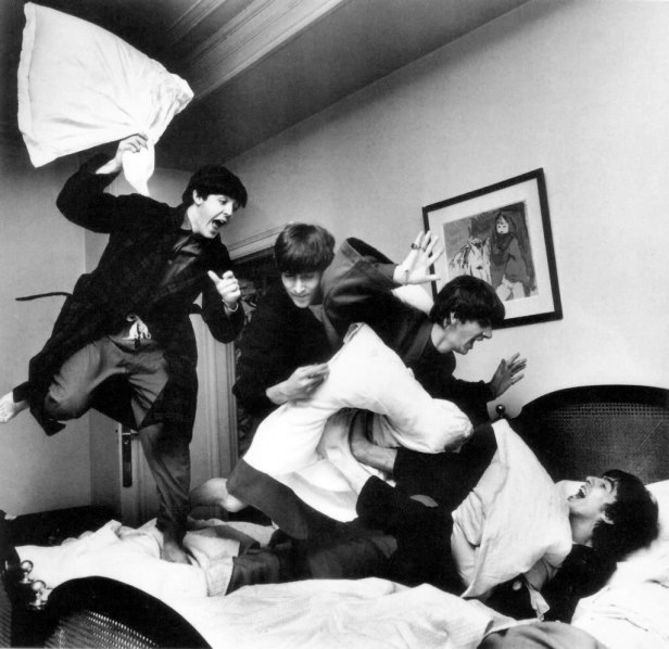 beatles-pillow-fight-by-harry-benson