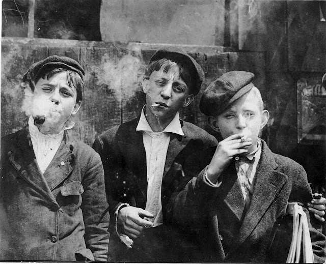 lewis-hine-newsies-smoking-larger