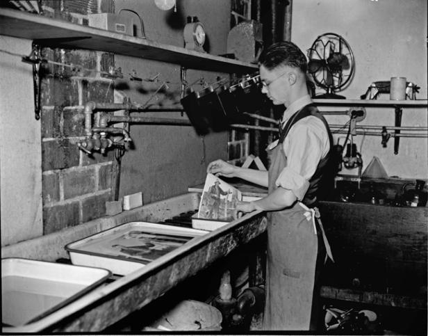 darkroom_1937