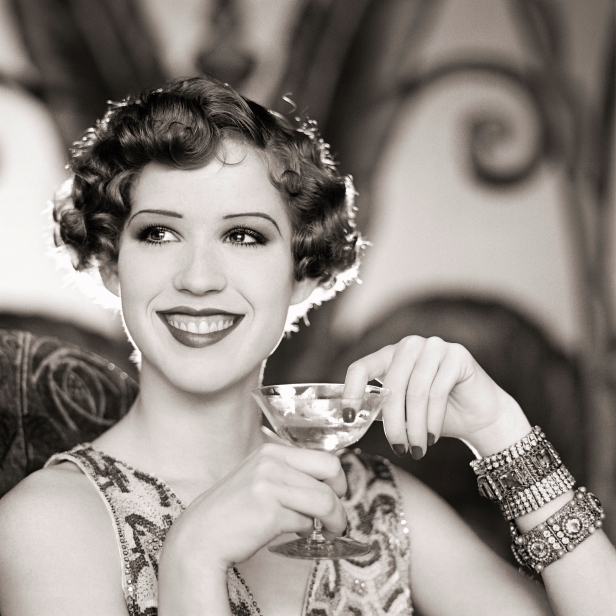 010 Molly Ringwald 1920s Style
