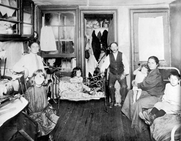 1-Riis-Family-Living-in-One-Room-New-York-City-Slum-1890