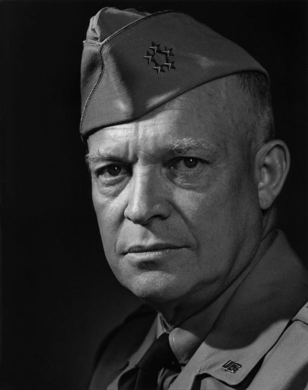 Yousuf-Karsh-Dwight-Eisenhower-1946-775x980