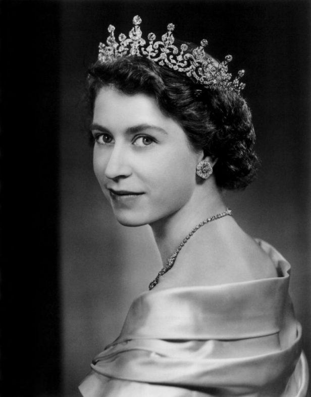 Yousuf-Karsh-Princess-Elizabeth-1951-02-767x980