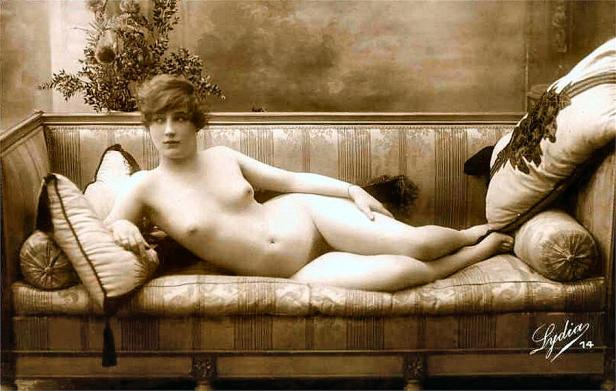 12-vintage-nude-postcard-image-unknown