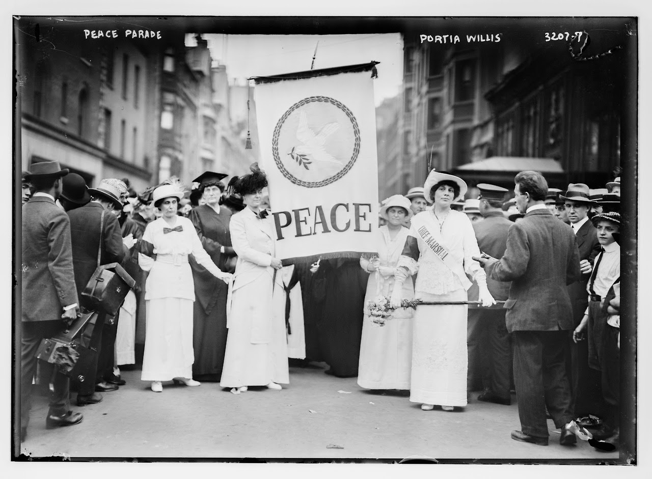 Women's Peace Parade in New York City, 1914 (1)
