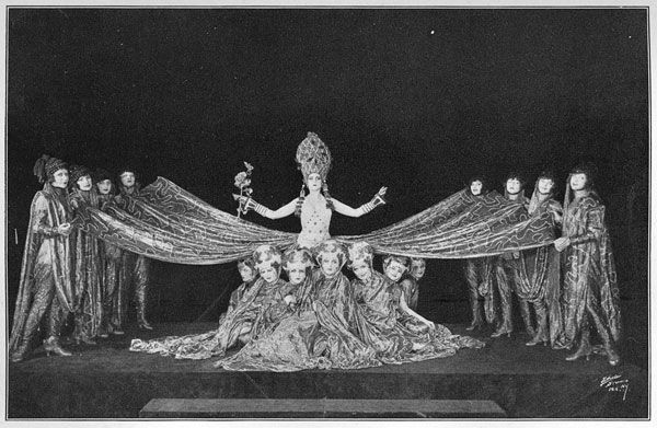 56a43feb49f35922590927b9cba640c7--ziegfeld-follies-paulette