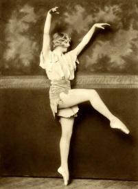 Ziegfeld Follies Showgirls from the 1920s by Alfred Cheney Johnston (30)