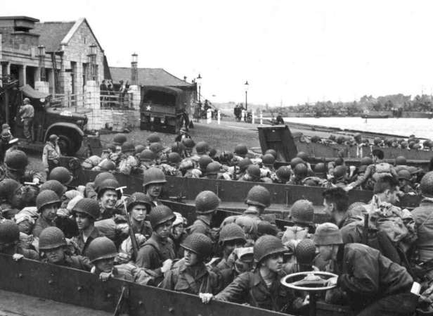 d-day-normandy-gallery-boats-primary