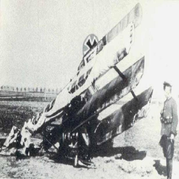 red-baron-crashed-xx