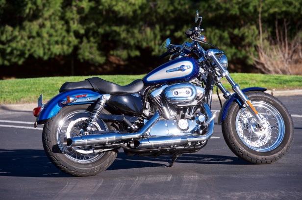 2017-Harley-Davidson-Sportster-1200-Custom-Review-6